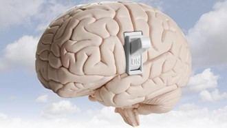 La clave para mantener tu cerebro joven y prevenir el alzhéimer: tener a alguien que te escuche