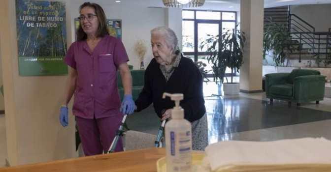 AESTE da 8 consejos para visitas a residencias de mayores con seguridad.