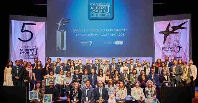 Supercuidadores, premio Albert Jovell por su trabajo en torno a la salud
