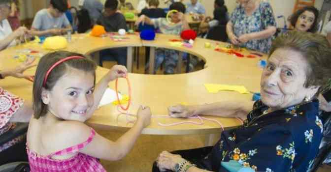 Amavir organiza campamentos de verano intergeneracionales