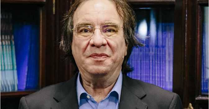 Amós García Rojas es presidente de la Sociedad Española de Vacunología.