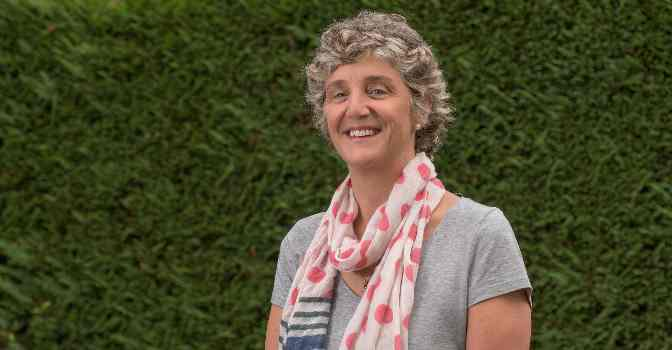 Ana Urrutia es presidenta de la Fundación Cuidados Dignos.