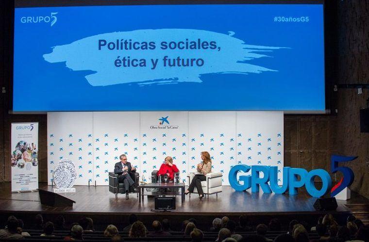 Gay de Liébana en Grupo 5 dentro de una jornada con Ramón Jaúregui y Elisa de la Nuez
