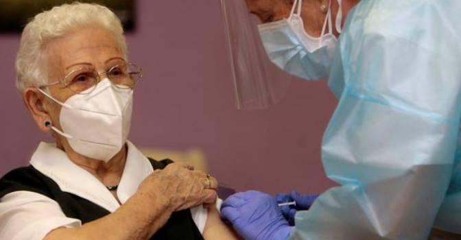 Comienza la vacunación contra el coronavirus en España y el resto de la Unión Europea.