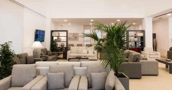 Zonas comunes de la nueva residencia para mayores de Ballesol en Reus, Tarragona.