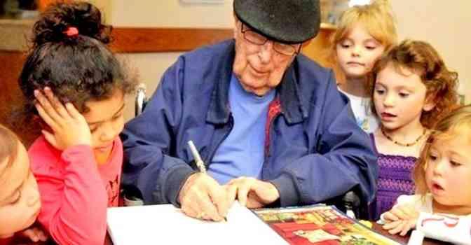 Los mayores vuelven a ayudar a sus familias por la crisis económica