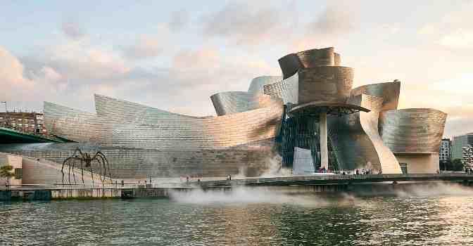 Imagen oficial del Museo Guggenheim de Bilbao, uno de los símbolos de esta ciudad vasca que pronto contará con una nueva residencia para mayores impulsada por Loiola.