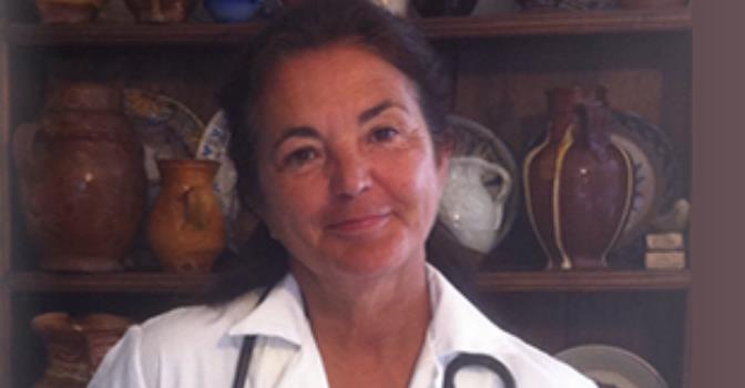 Carmela Mañas es presidenta de la Sociedad Madrileña de Geriatría y Gerontología y directora médica del Grupo Los Nogales.