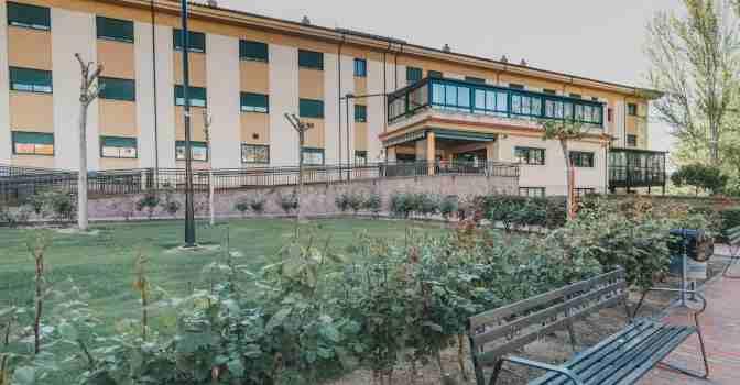 El Grupo Ciudad Jardín compra una residencia de mayores en Cáceres.