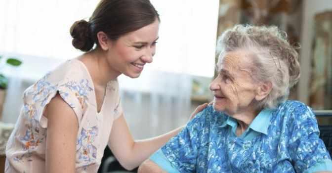 Con estas sencillas pautas podrás mejorar la comunicación con los mayores afectados por demencias u otras alteraciones neurológicas.