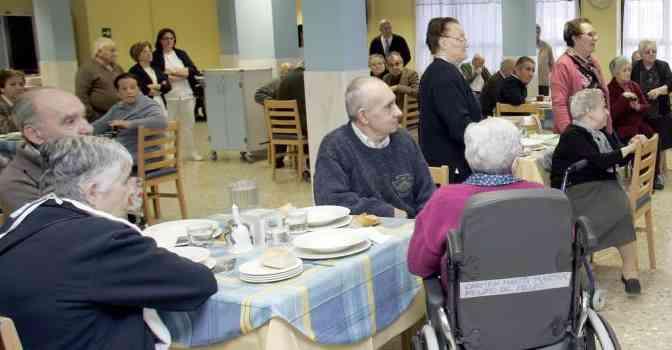 Lares pide al Gobierno levantar el confinamiento en residencias de mayores
