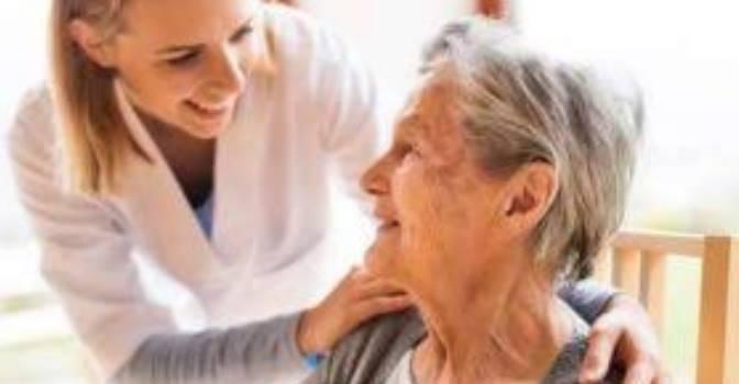 Así son las nuevas condiciones laborales de los cuidadores en domicilio