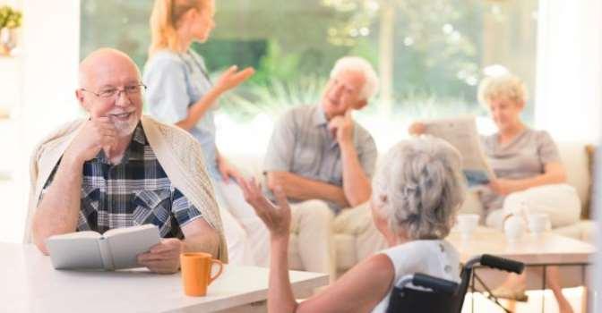 Curso de verano online sobre el papel de las residencias de mayores como hogares.