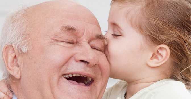 Acalerte celebra con abrazos virtuales el Día de los Abuelos