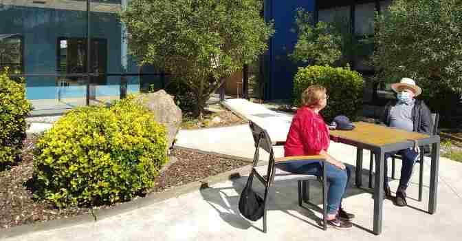 Fundación DomusVi explica cómo reencontrarse con los mayores en residencias