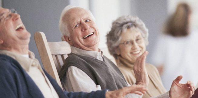 El rincón de la ONG Pensium, financiación para pagar la residencia de mayores