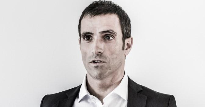 Ernesto Bravo, CEO de Familiados.com, explica en qué consiste esta plataforma web para encontrar profesionales de los cuidados en apenas una hora.