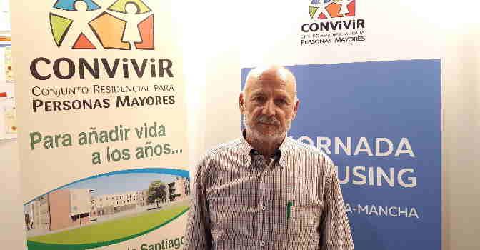 Ernesto Cabello es presidente de la cooperativa de cohousing Convivir, ubicada en Cuenca. / Foto: NGD.