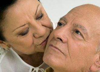 Eulen Sociosanitarios publica el documento 'Personas mayores y sexualidad' para los profesionales del sector