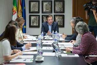 La Junta de Extremadura aprueba subvenciones para centros de mayores de hasta 300.000 euros