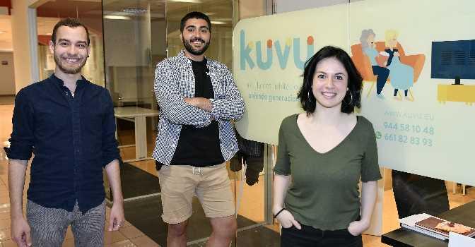 De izquierda a derecha, Eduardo Fierro, Jon Ander y Haize Trueba, cofundadores de Kuvu.