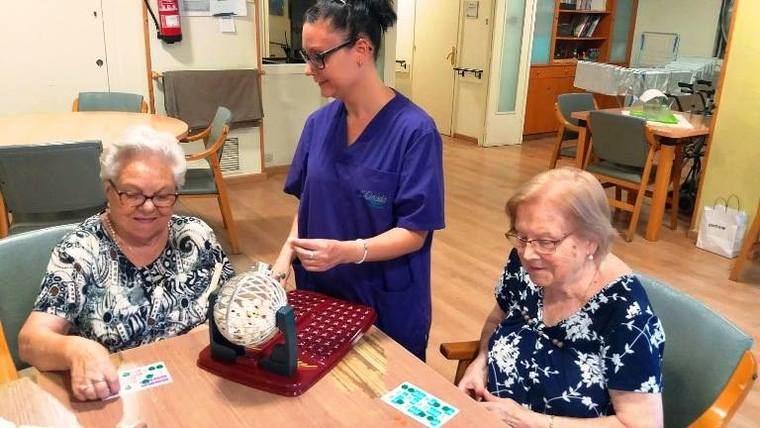 La prohibición del bingo con dinero en los centros de mayores de Cataluña es para Cinta Pascual