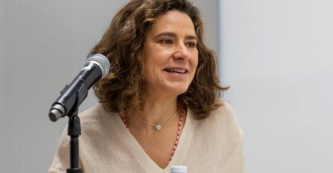 """María José Abraham: """"La COVID-19 ha puesto en evidencia las debilidades del sistema"""""""