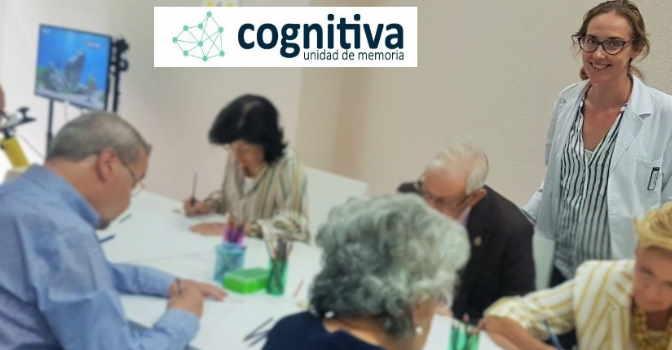 A la derecha de la imagen, Mónica Nieto, neuropsicóloga y directora en Cognitiva Unidad de Memoria Chamartín, en Madrid.