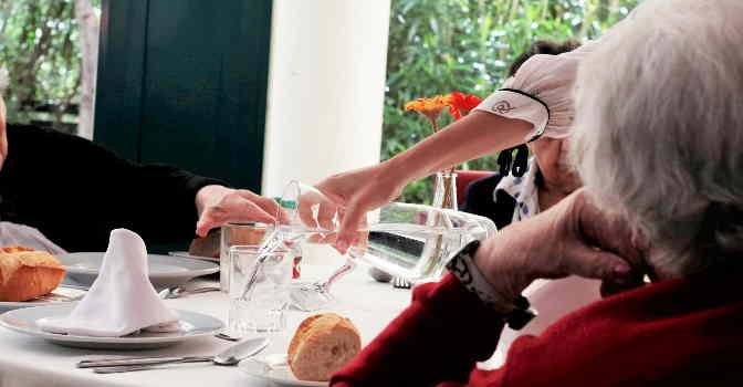 Orpea servirá cenas de Navidad para combatir la soledad en los mayores