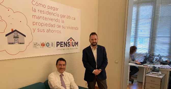 A la izquierda, Miguel Perdiguer, CEO de Pensium. A la derecha, David Igual, director de operaciones. Ambos son cofundadores de la compañía.