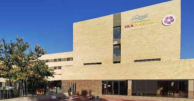 La residencia de mayores Ca N'Amell de Premià de Mar pasa a llamarse Vila Clavellina.