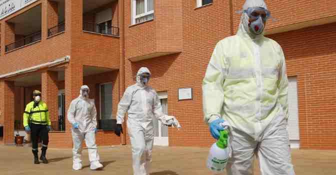 Las residencias de mayores, abrumadas por el coronavirus