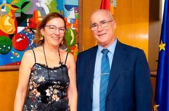 La directora general del Imserso recibe al editor de NGD en la sede de este Instituto del Ministerio de Bienestar Social