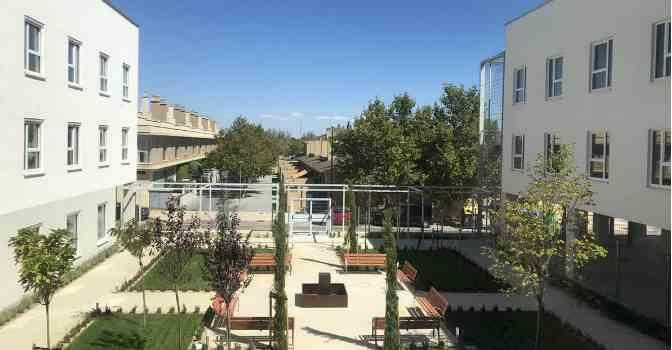 La Fundación Rey Ardid abre una residencia de mayores en Zaragoza especializada en Alzheimer.