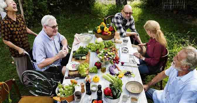 SEGG pide mantener la vida social en residencias de mayores siempre que sea seguro.