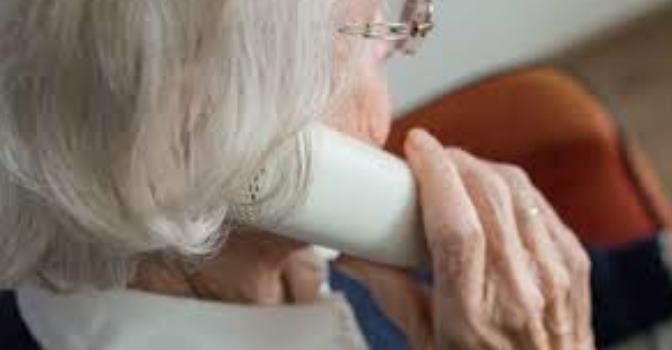 Fundación Vodafone, CEOMA y la AECSBST se unen contra el aislamiento de los mayores
