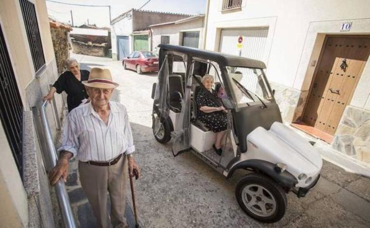 Visto en Internet Pescueza, el pueblo que hace fácil la vida a sus mayores