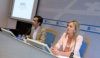 La Xunta de Galicia crea la ayuda Bono Autonomía en Residencia, presentada por el conselleiro de Política Social, José Manuel Rey Varela, con la directora general de Mayores y Personas con Discapacidad, Fabiola García.