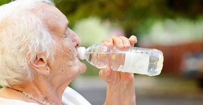 Cómo proteger de la ola de calor a los mayores