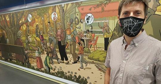 Un gran mural rinde homenaje a los mayores en la estación de metro de Plaza de Castilla vía madridiario